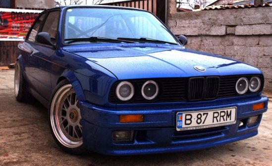 https://tuning-individual.cz/eshop//images/foto/auomobilky_obr/BMW-E30-kat.jpg